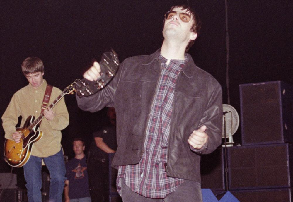 david whittworth - liam and noel gallagher - oasis - sheffield arena